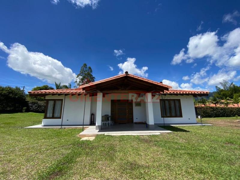 Venta de casa en Carmen de Viboral - Vereda Aguas Claras